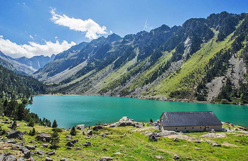 independent walking in french pyrenees