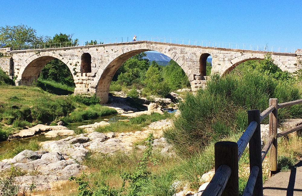 unguided hiking tour in provence, france