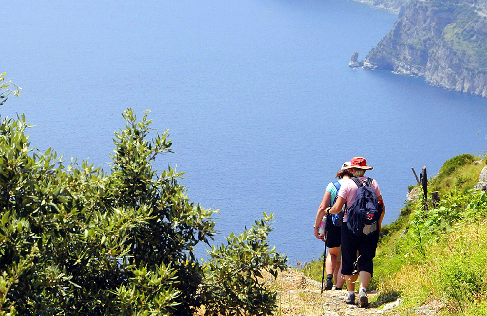 inn to inn independent trekking amalfi