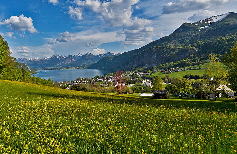 self-guided trekking tour in austrian lakes salzkammergut