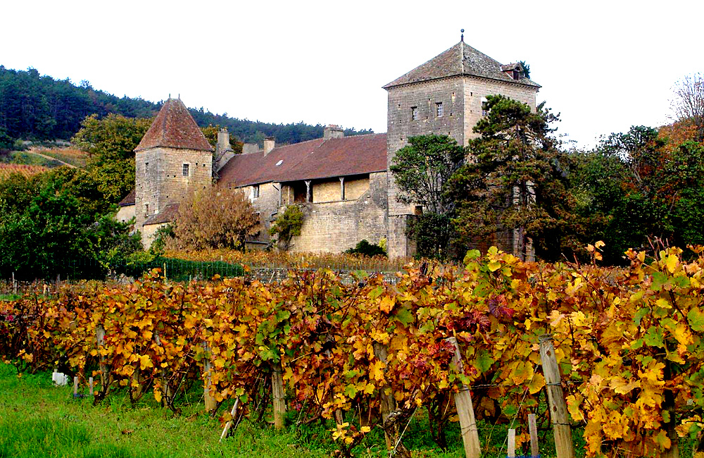 unguided hiking in burgundy, france