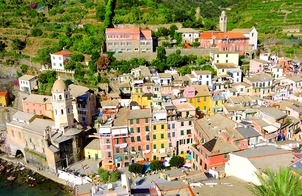 self-guided trekking cinque terre tour