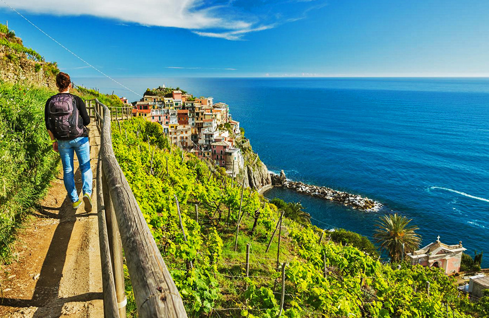 unguided rambling holidays in cinque terre