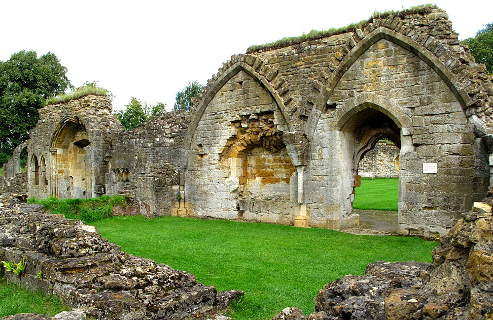cotswold self-guided trekking and walking holidays