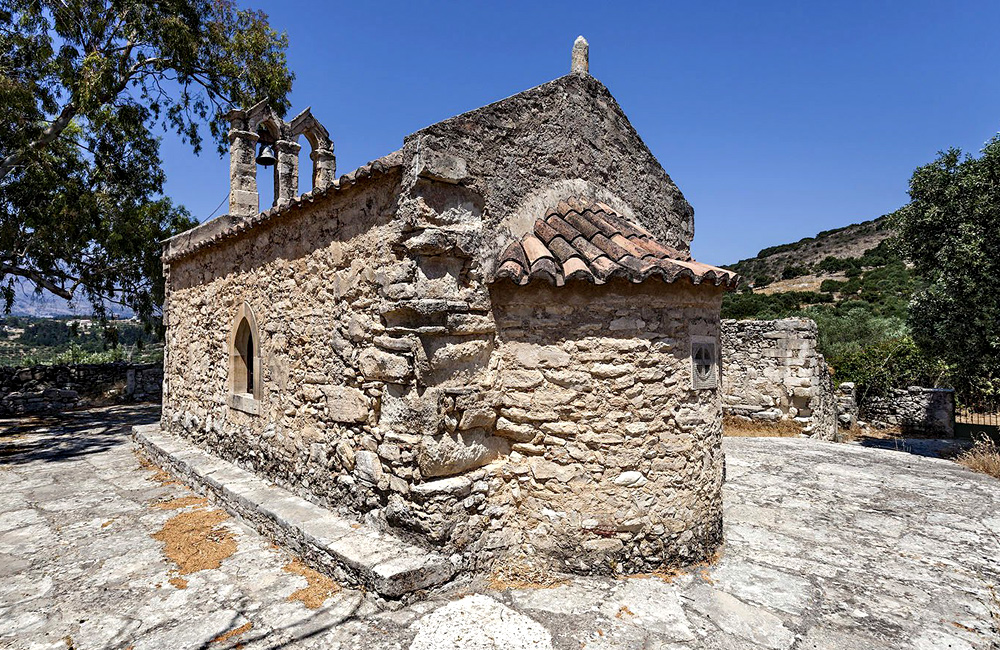 unguided rambling tours in crete, greece