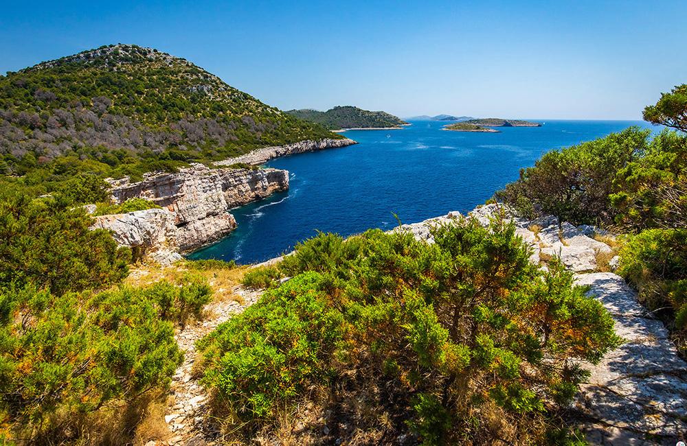 inn to inn hiking tours in croatia
