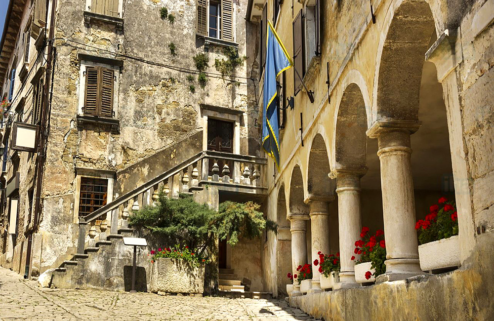 unguided walking and hiking tours of croatia and istria