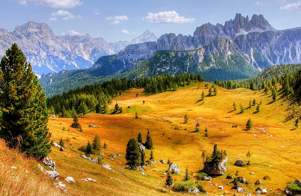 dolomites sel-guided walking hiking tour