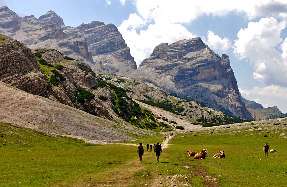 dolomites self-guided walking hiking tour