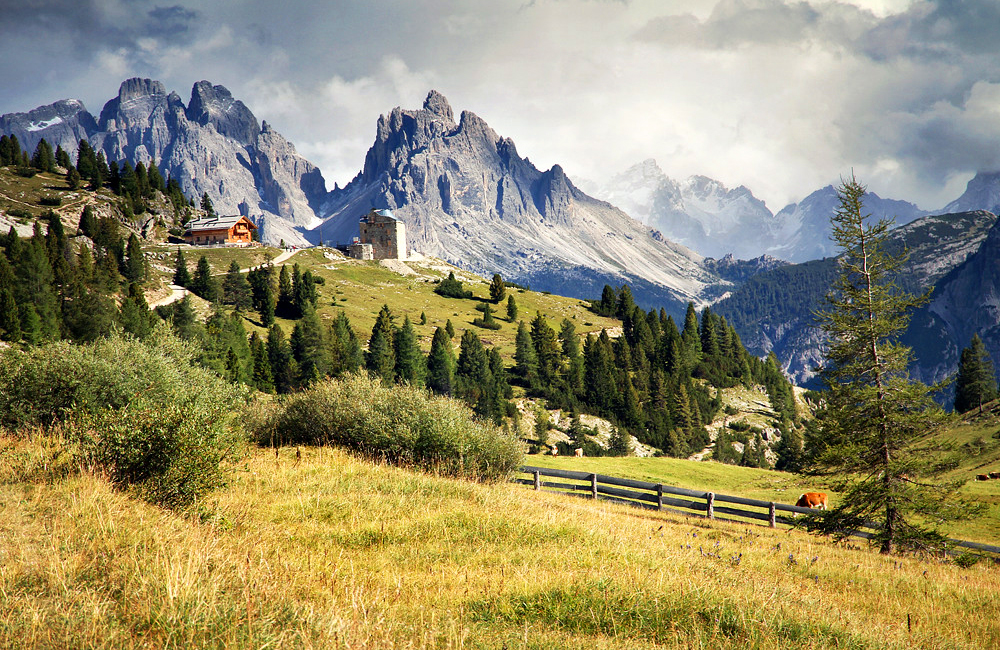 unguided walking and hiking in the dolomites, italy
