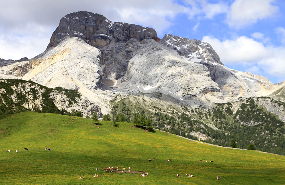 dolomites self-guided walking and trekking tours