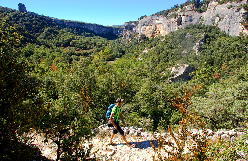 self-guided walking in provence, luberon, france