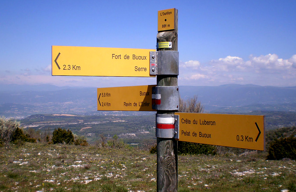 self-guided trekking in france, luberon