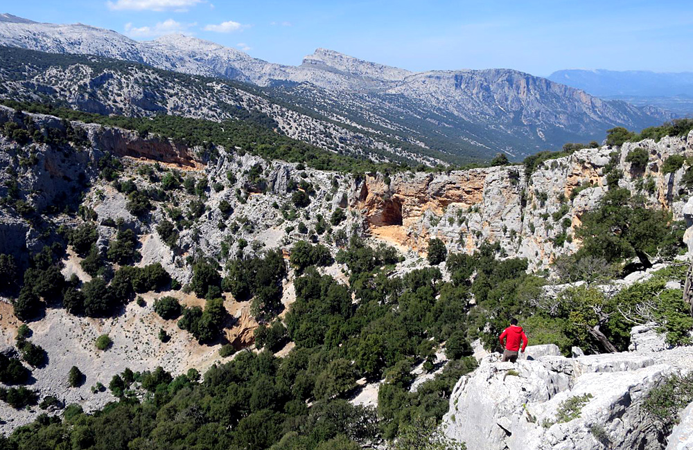 unguided trekking holiday sardinia