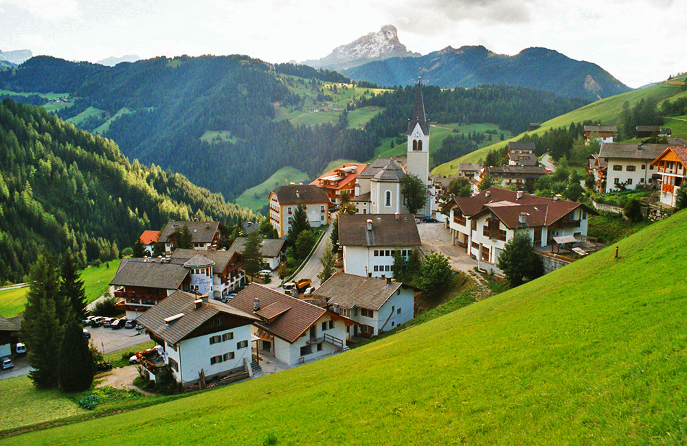 italy self-guided walking tour in the dolomites