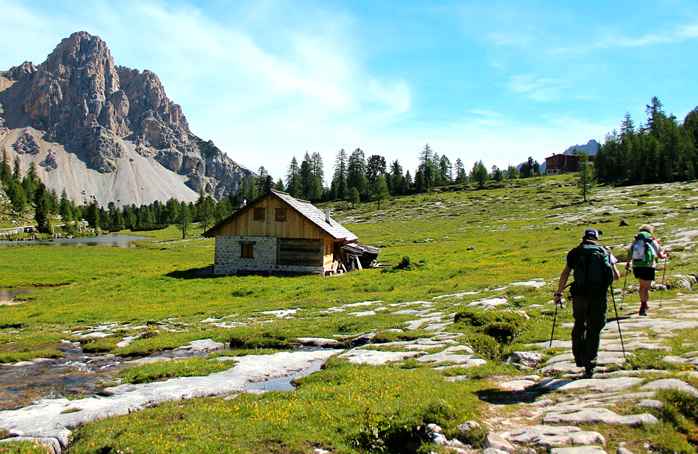 walking and hiking without guide dolomites