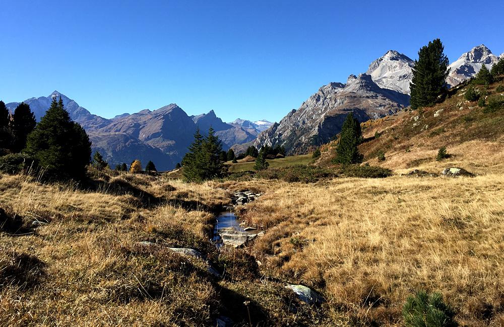 inn to inn independent trekking via spluga