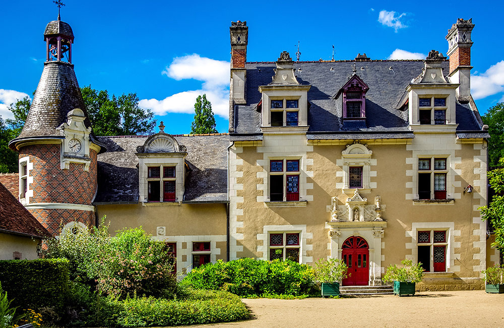 unguided walking loire valley