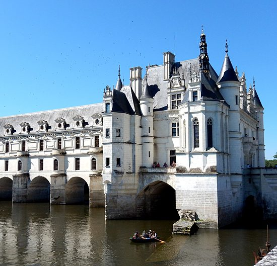 self-guided hiking along loire valley castles, france