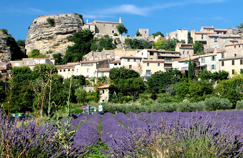 independent trekking tour in provence, france