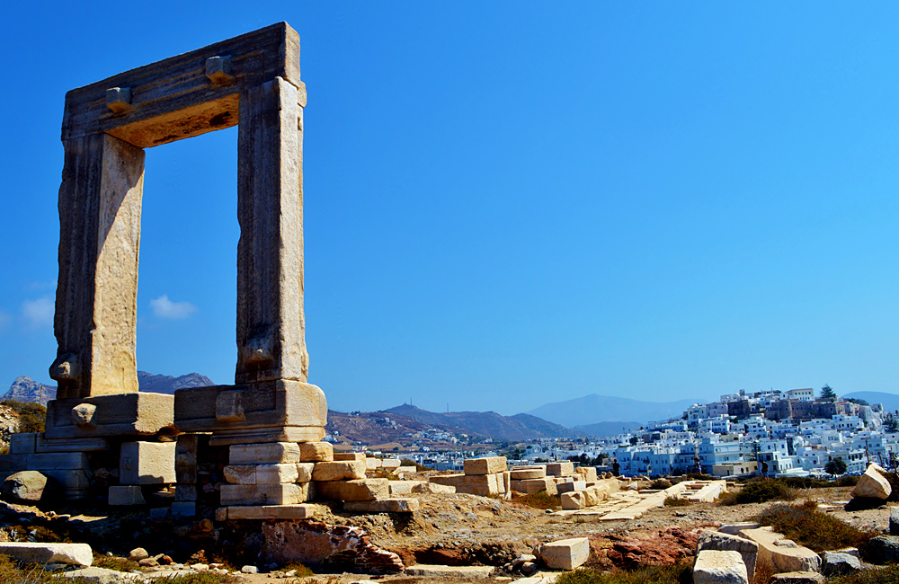 naxos unguided walking tour