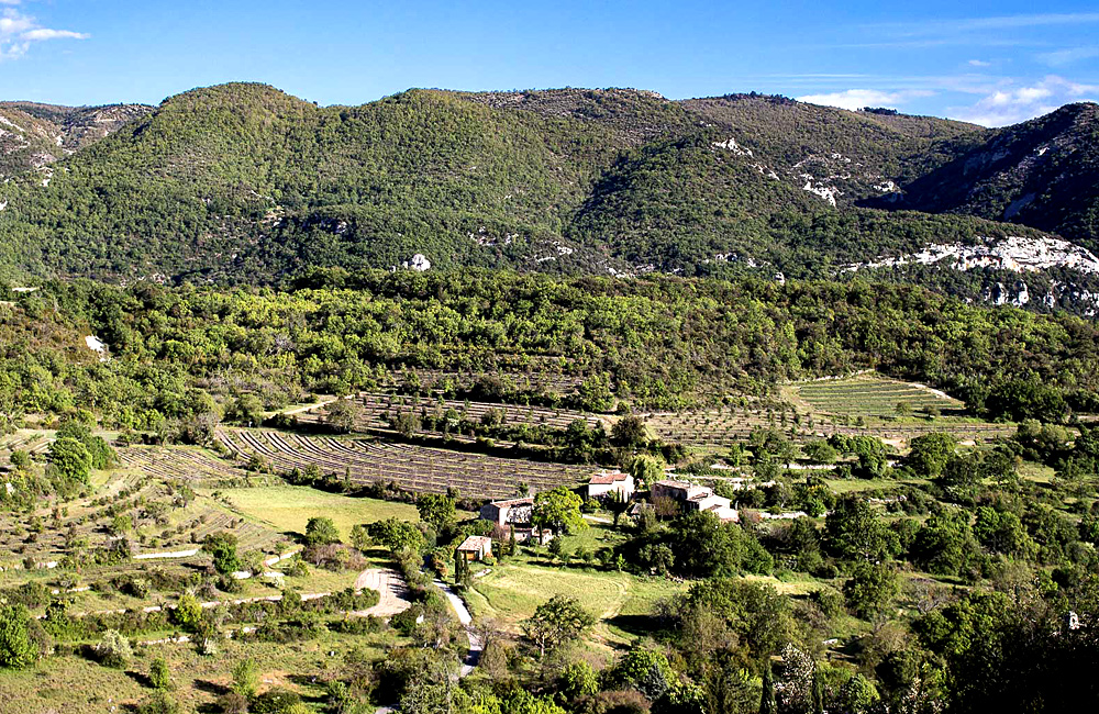 unguided trekking in provence and luberon, france