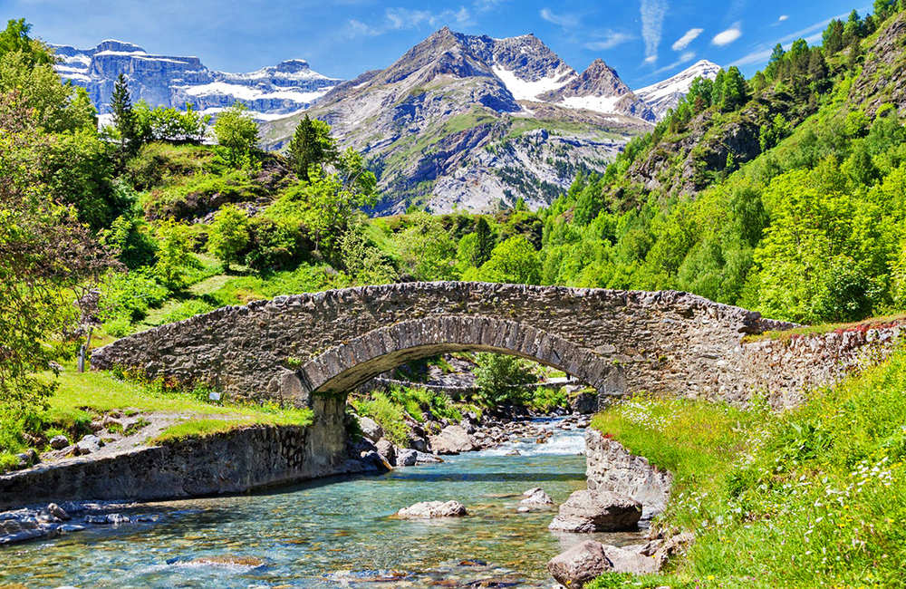 inn to inn trekking in th efrench pyrenees