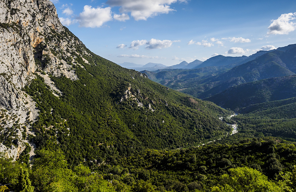 trekking and walking tours sardinia