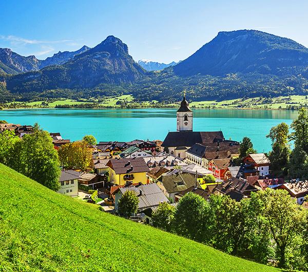 salzkammergut lakes hiking in austria