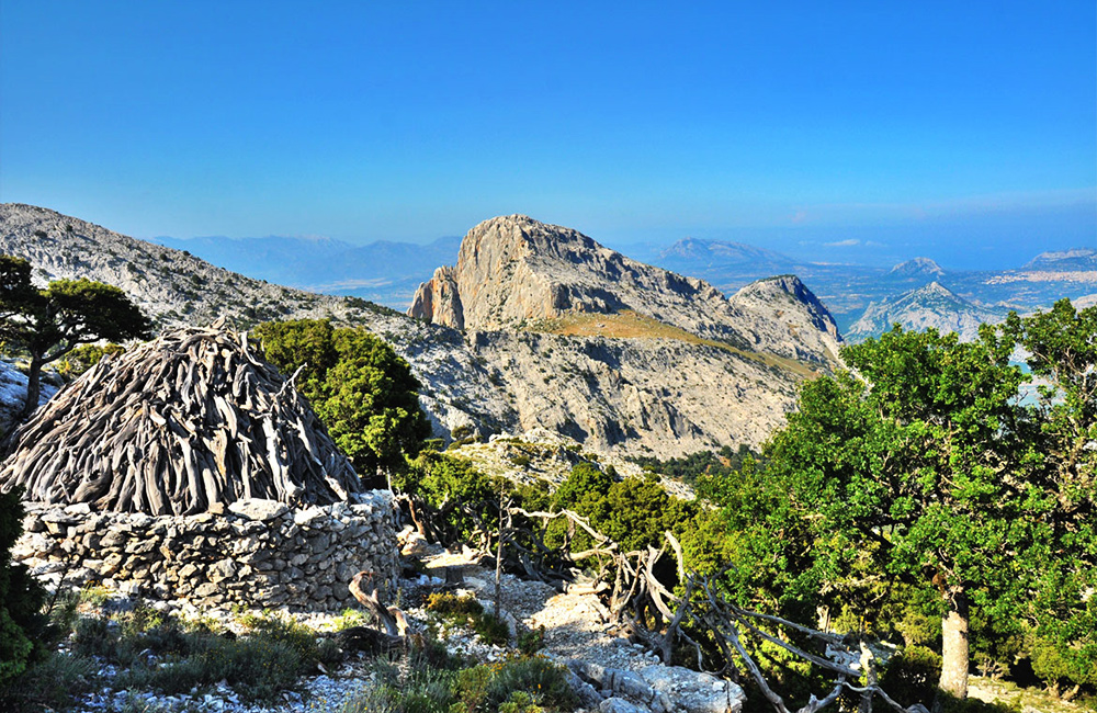 sardinia independent walking and trekking