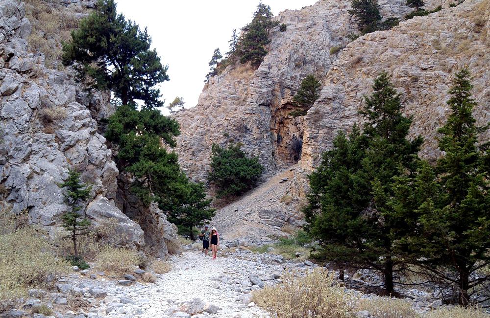 inn to inn hiking tours of crete, greece
