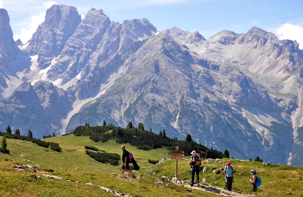 independent trekking and walking dolomites