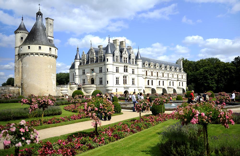 inn to inn walking loire valley, france
