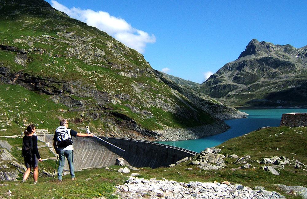 via spluga self-guided walking and hiking tour