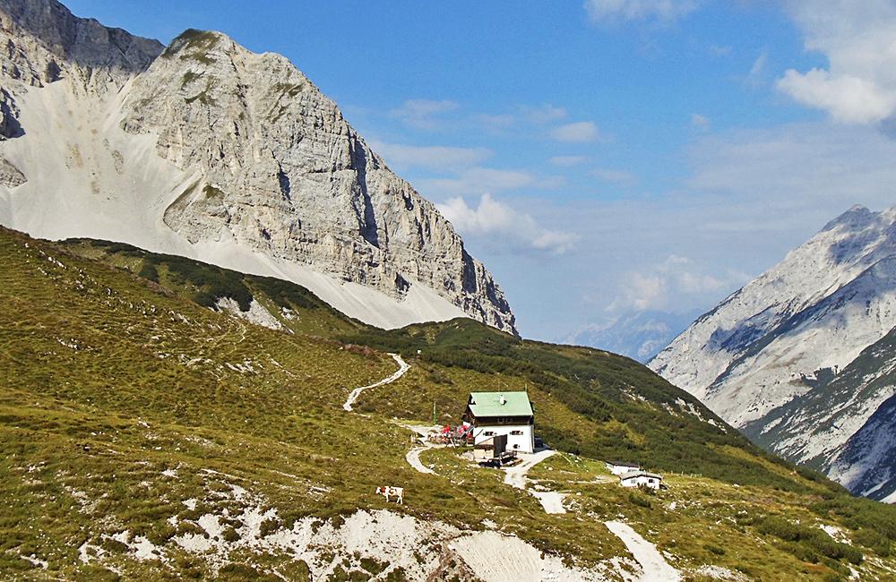 self-guided trekking in tyrol