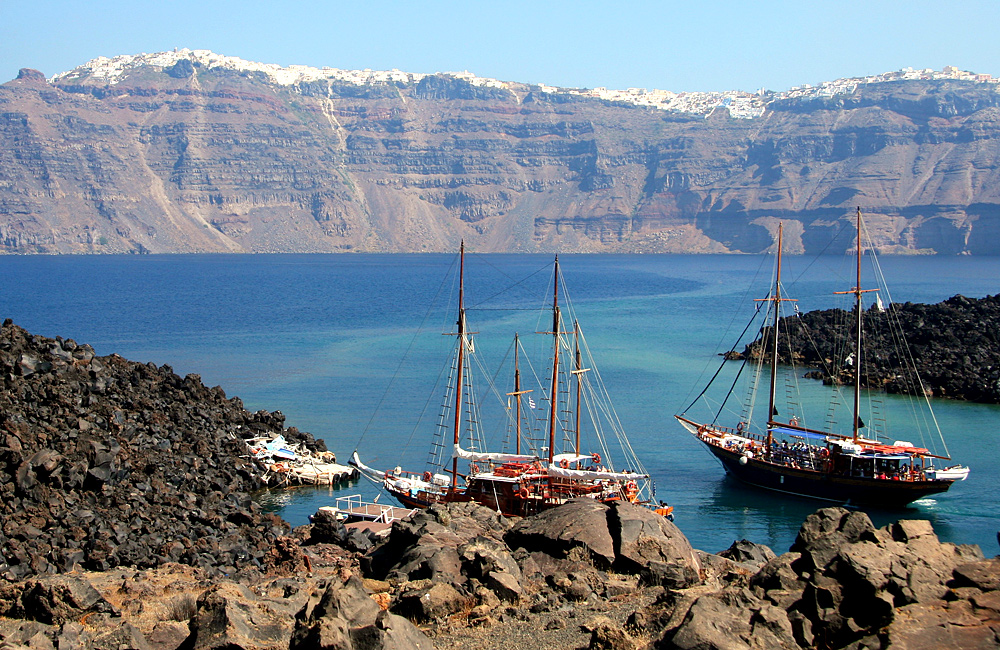 inn to inn self-guided hiking in santorini, greece