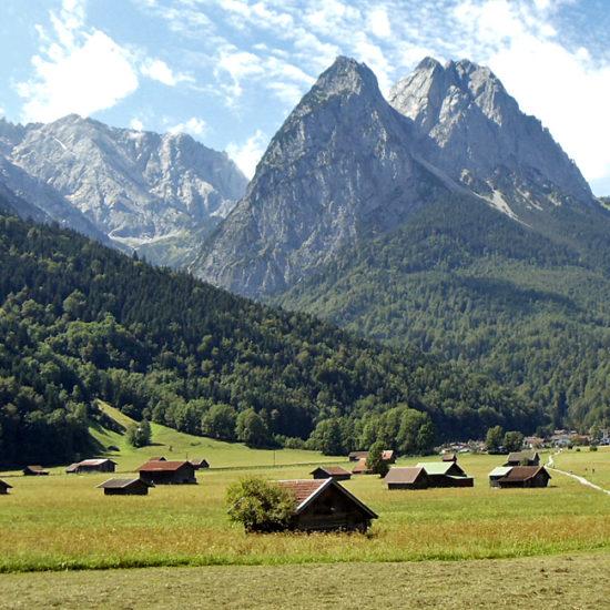 zugspitze independent trekking in germany