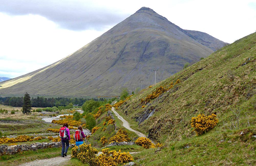self-guided walking hiking scotland