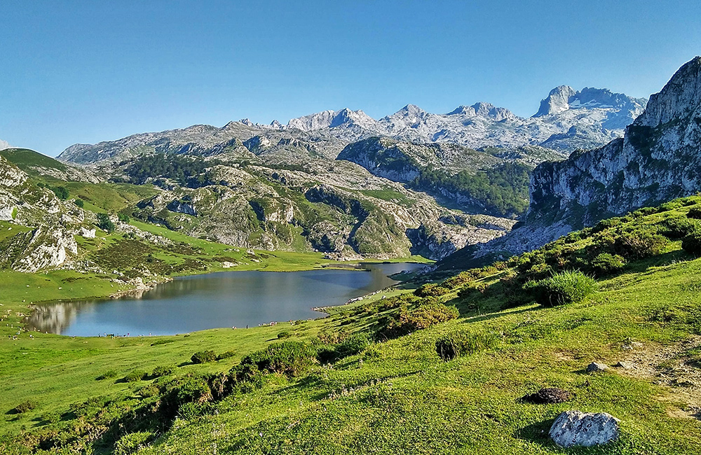 independent walking tours in spain, picos de europa