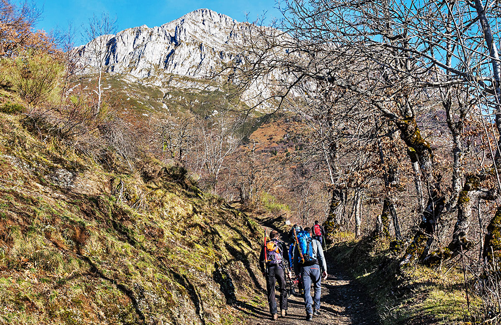 self-guided walking and hiking in picos de europa