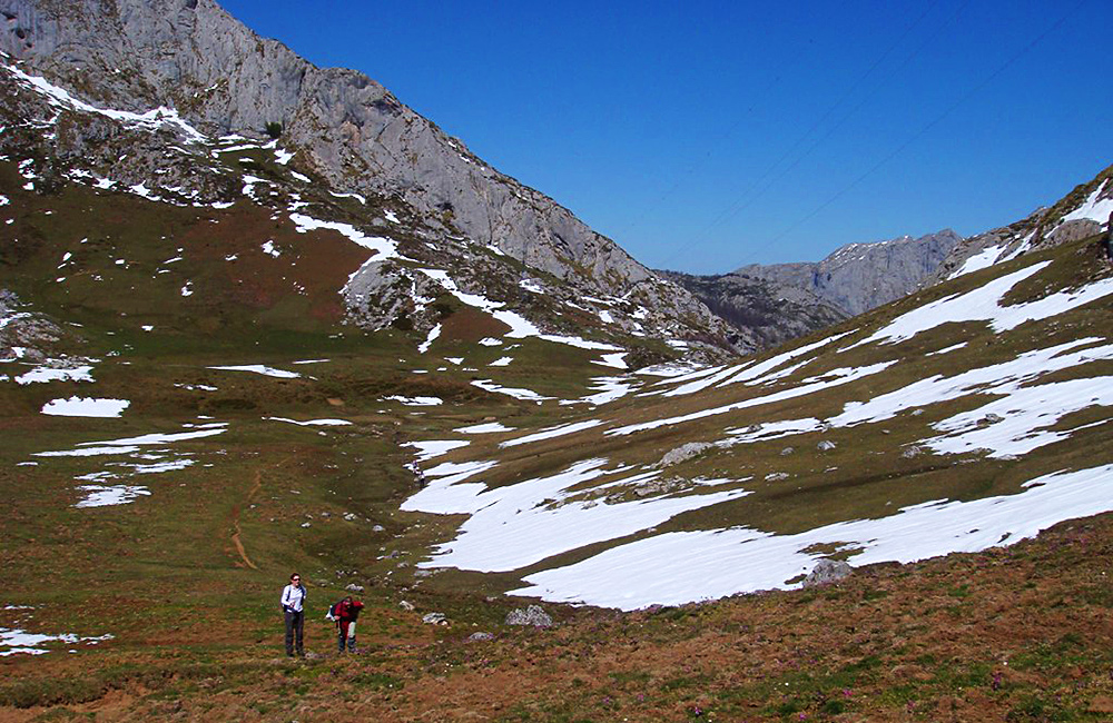 picos de europa unguided walking and trekking