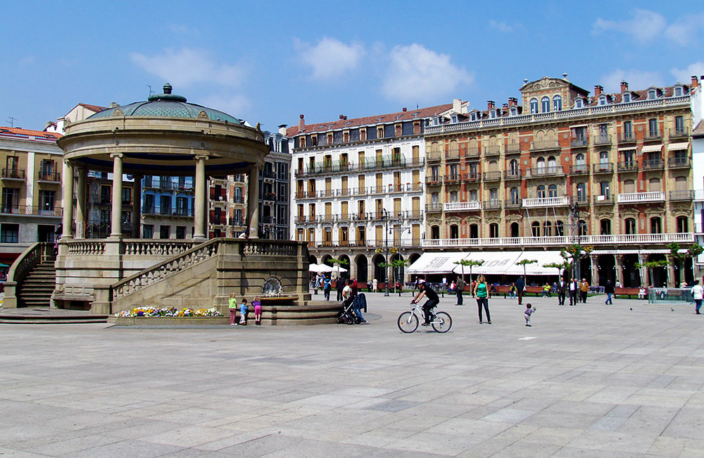 st james unguided walking and trekking to pamplona