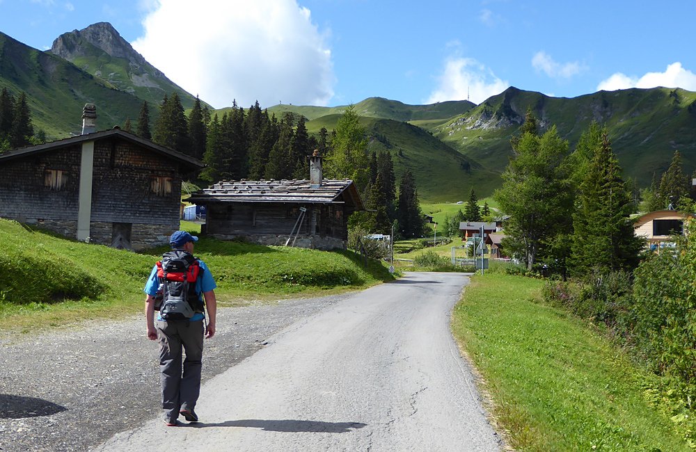 self-guided hiking in the swiss alps via alpina
