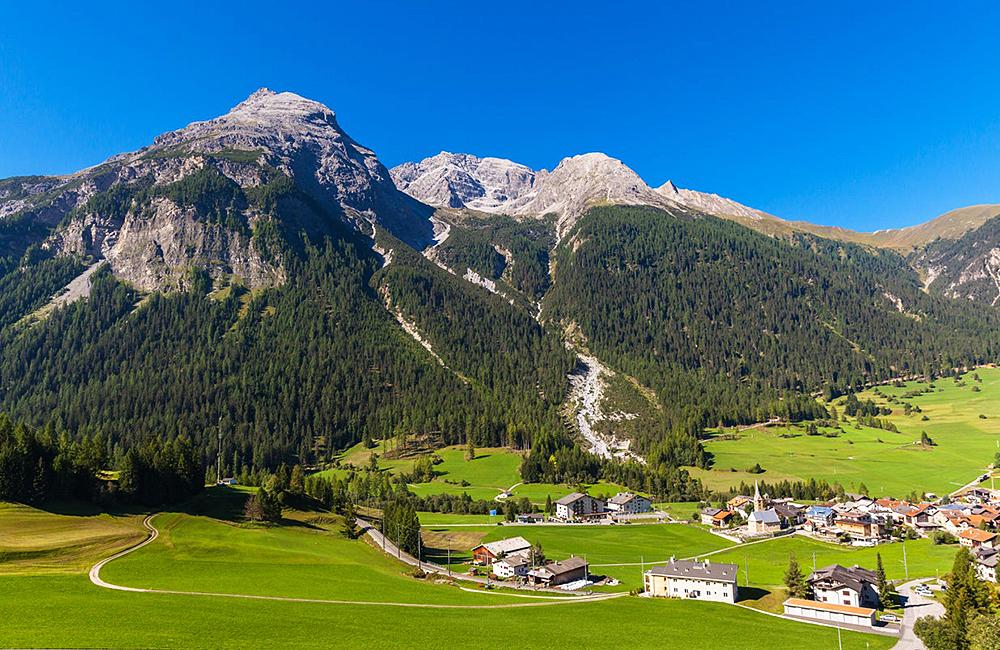 albula berning unguided trekking holiday switzerland