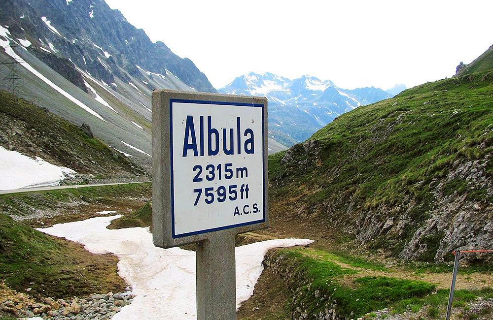 albula berning self-guided hiking switzerland