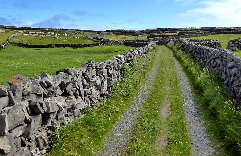 ireland self-guided walking holiday