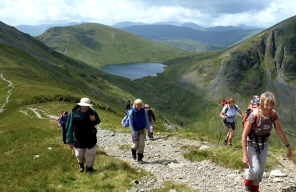 unguided walking and hiking tours in england