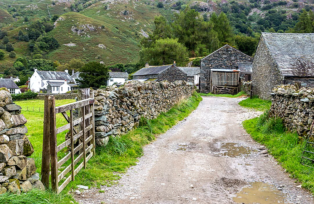 independent walking and trekking in england