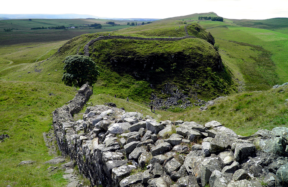 self-guided walking hadrian's wall way