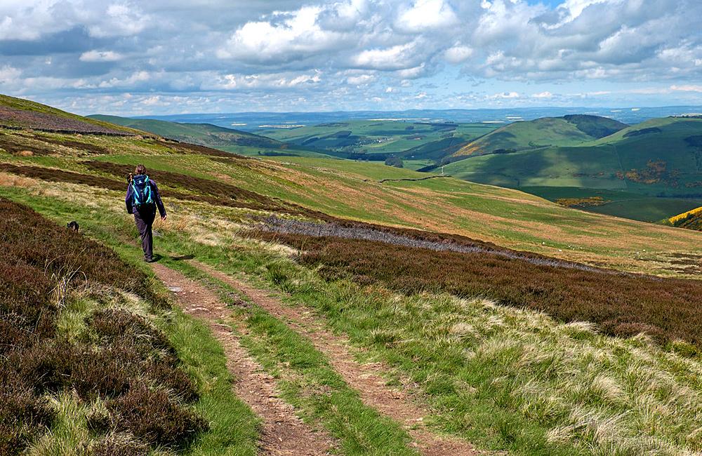 scotland self-guided hiking tour
